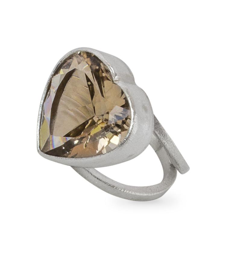 Anel em prata com pedra cor areia - ICA920