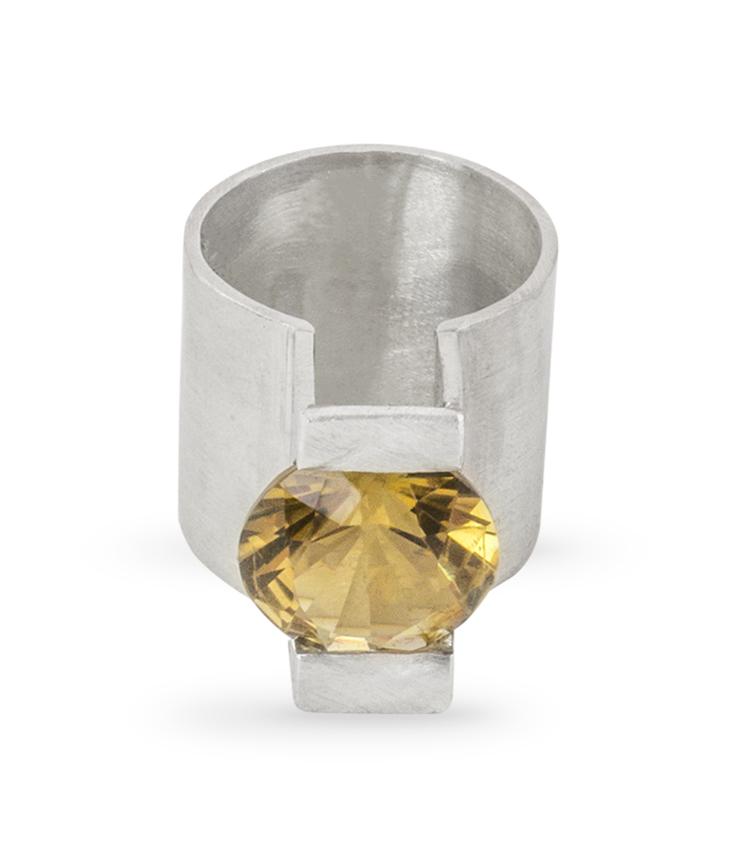 Anel em Prata e pedra amarela - ICA916